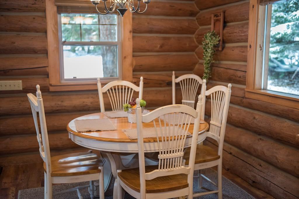 Western Pleasure Guest Ranch Settler Cabin