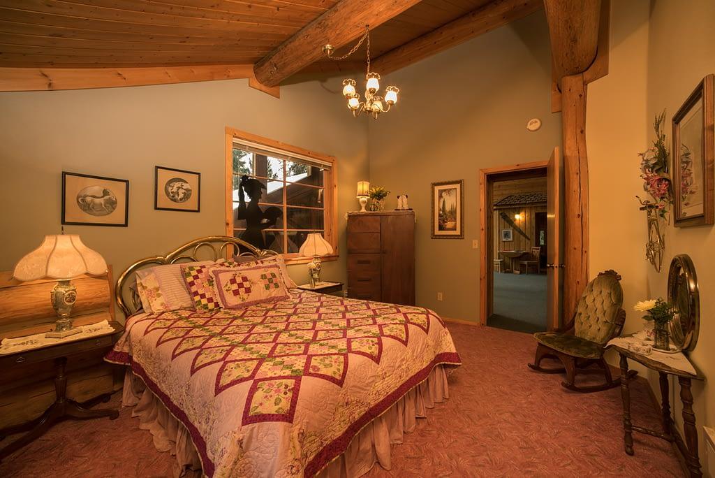 Western Pleasure Guest Ranch Miss Belle Room